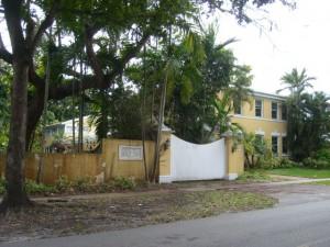 Coral Gables Real Estate Photos -- Sold Foreclosure Property -- 828 Valencia 2
